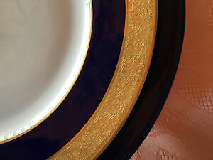 SERVICE-DE-LIMOGES-BERNARDAUD-Modele-PARIS-PHOEBE-BLEU-DE-FOUR-INCRUSTATIONS-OR
