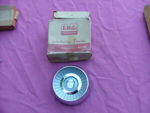1959-Ford-steering-wheel-horn-button-NOS-B9A-3627-A