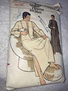Vintage Vogue Sewing Pattern 8669 Men's Caftan Size Medium 38-40