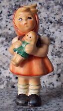 """Hummel Figur Hum 239/B/0 """"Mädchen mit Puppe"""" FM 7 * Figur des Kinder Trio"""