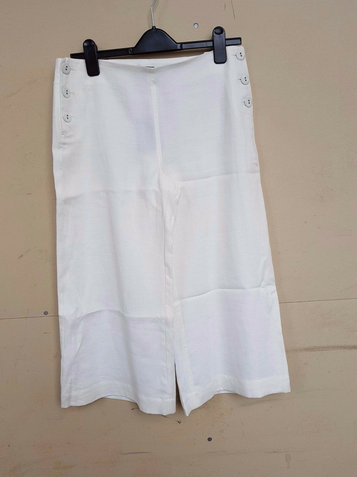 BNWT LADIES HOBBS IVORY LINEN SHORT TROUSERS SIZE 10  TAG
