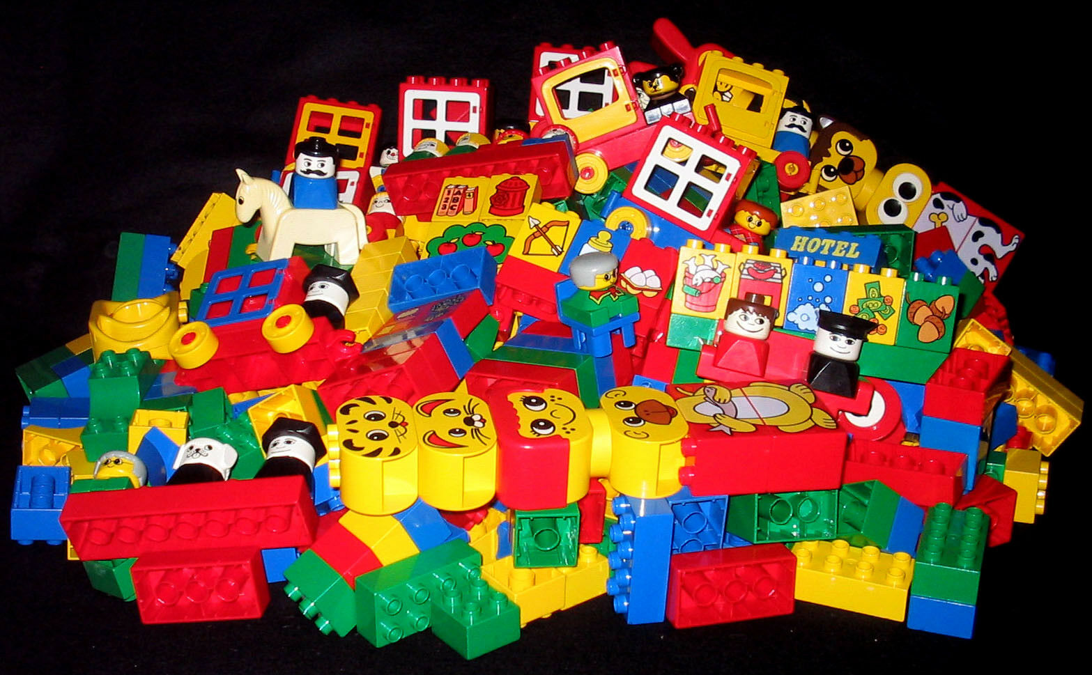 HUGE Bundled Lot Vintage Legoville DUPLO 520 Pieces