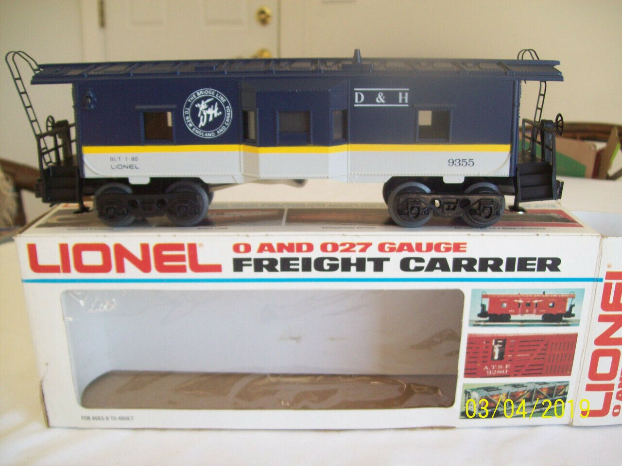 Lionel cabooses - D&H 6-9355 & C&NW 6-16533 (LOT of 2)