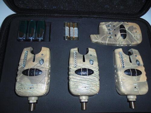 Carp, 3 illuminated stiff Hangers 3 x TMC Wireless Camo bite alarms,receiver