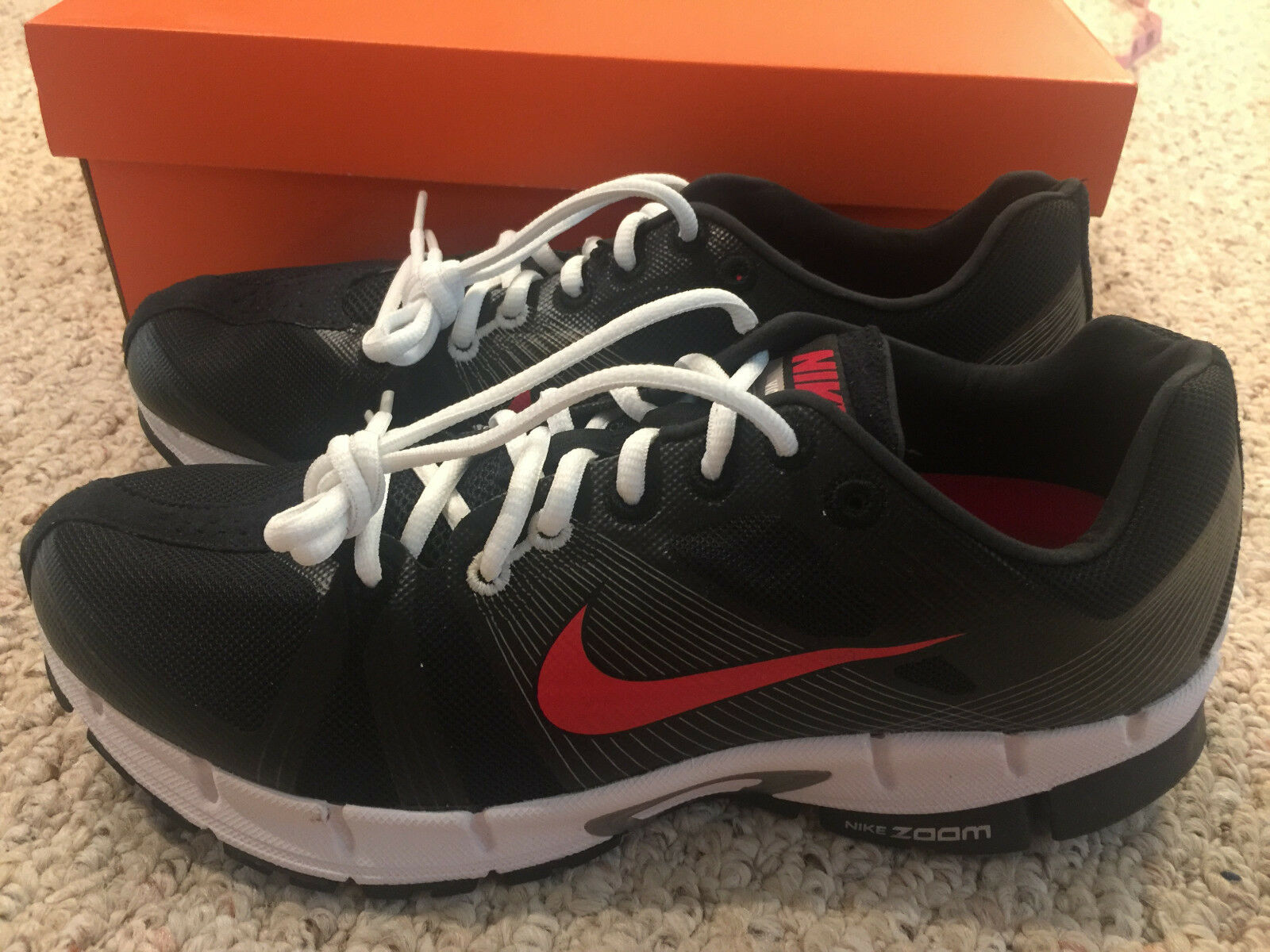 NEW IN BOX -- Nike Zoom Victory+ Victory Men's Athletic Shoes 10 Black/Red