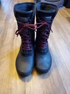 The North Face Womens Thermoball Black Waterproof Snow Boots Size 6 EUC