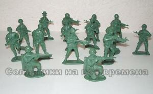 Mars 32030 1//32 Vietnam War NVA Heavy Weapons  toy soldiers in GREEN