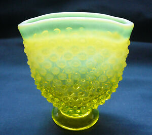 Fenton-Topaz-Opalescent-Glass-HOBNAIL-Mini-Bud-Vase-1-vaseline-yellow
