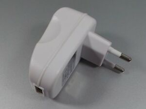 Charger-Adapter-110-230V-auf-USB-5V-2-1A-O809