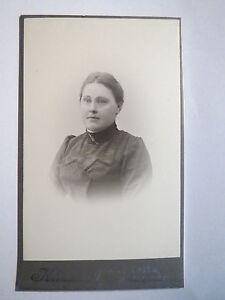 Halmstad-Frau-im-Kleid-CDV