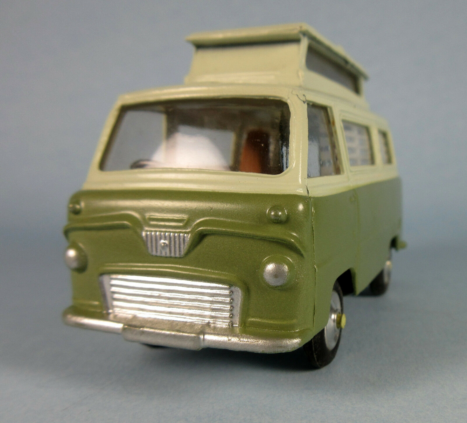 CORGI Ford Thames Caravan No. 420 (Green) 1 43 Scale Diecast Model NEW, RARE