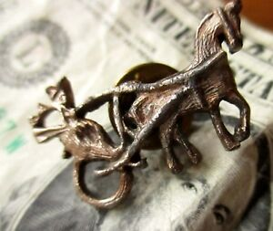 True-vintage-50s-Rustic-Pewter-Horse-Drawn-Amish-Pin