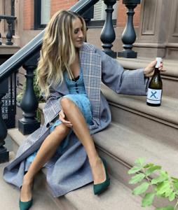 Zoom-Cocktails-w-Sarah-Jessica-Parker-INVIVO-Winemaker-amp-MARIE-CLAIRE-Magazine