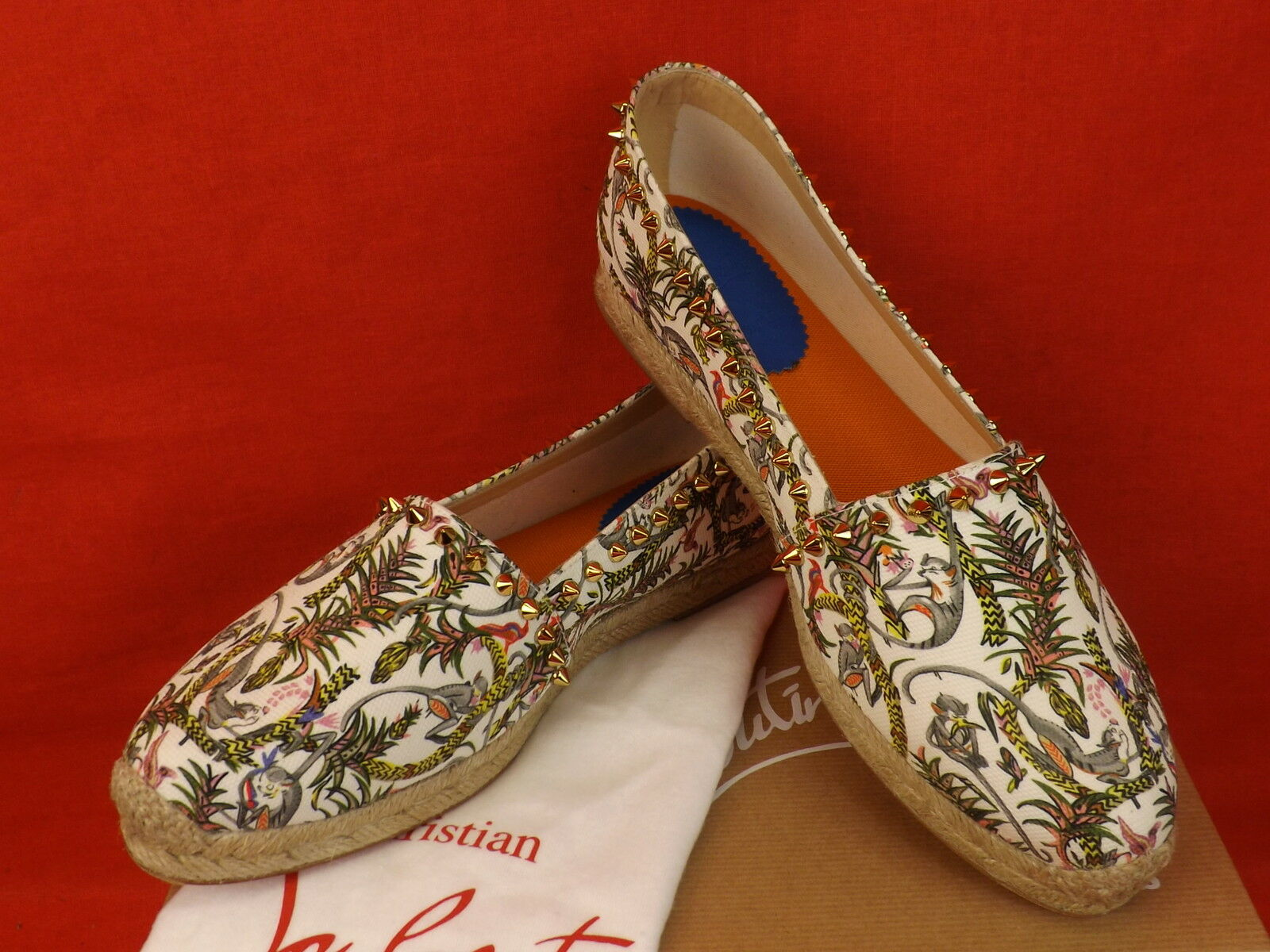New in Box Louboutin Ivoire Ares Toile or or or Tone Rivets Pointes Espadrilles Flats 39 b08e09