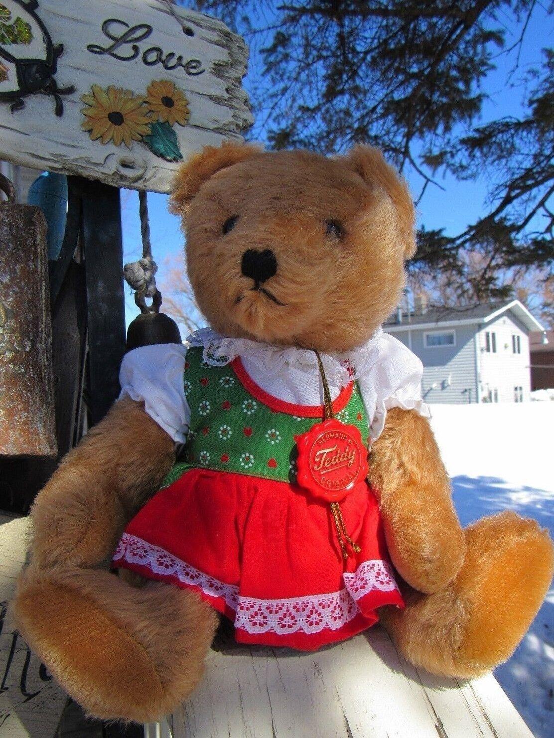 VINTAGE MINT 13  HERMANN ORIGINAL MOHAIR GERMANY GROWL GIRL TEDDY BEAR DRESS TAG