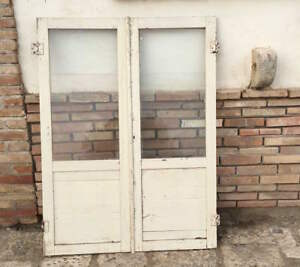 Porta A Due Ante Con Vetro.Antiche Ante In Legno Massello Con Vetri Per Armadio A Muro
