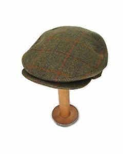 Yorkshire Hand Tailored Tweed Helmsley Flat Cap in Derwent Green ... 7a1c7b5a232