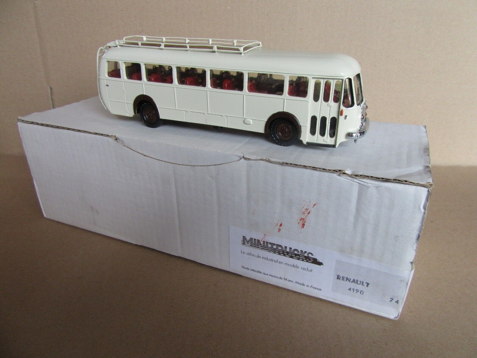 70H Minitrucks 74 Bus Renault 4120 Crema 1 50 Kit Resina