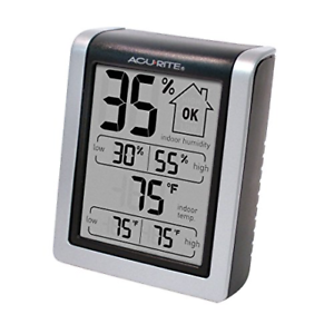 """3/"""" H x 2.5/"""" W AcuRite 00613 Indoor Thermometer /& Hygrometer with Humidity Gauge"""