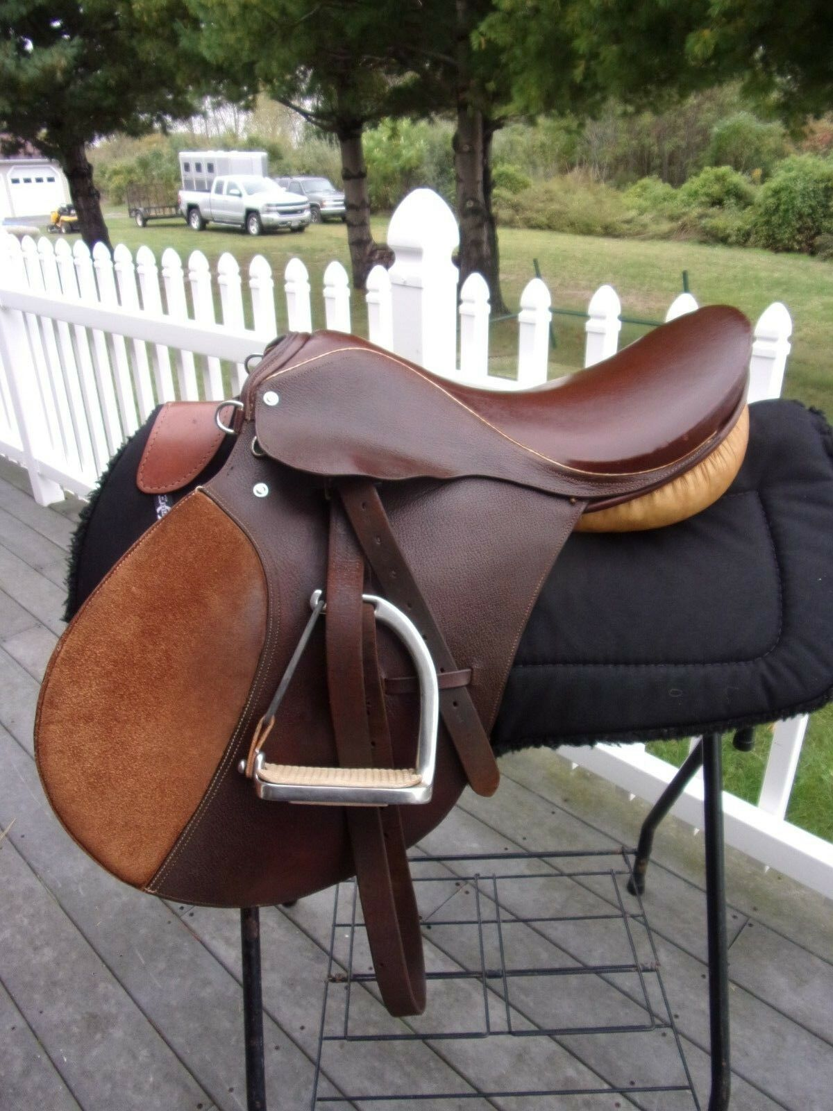 17''  GATSBY OF NY NY OF A/P English Saddle  WITH LEATHERS & IRONS MEDIUM TREE 13da19
