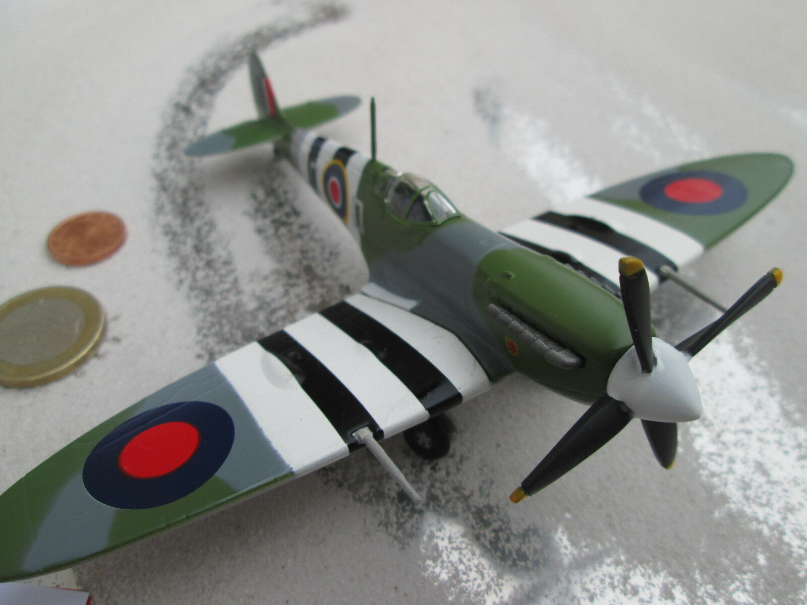 Super Marine Spitfire 3er Set D-DAY Avion Métal 1 72 ronds Aircraft yakair