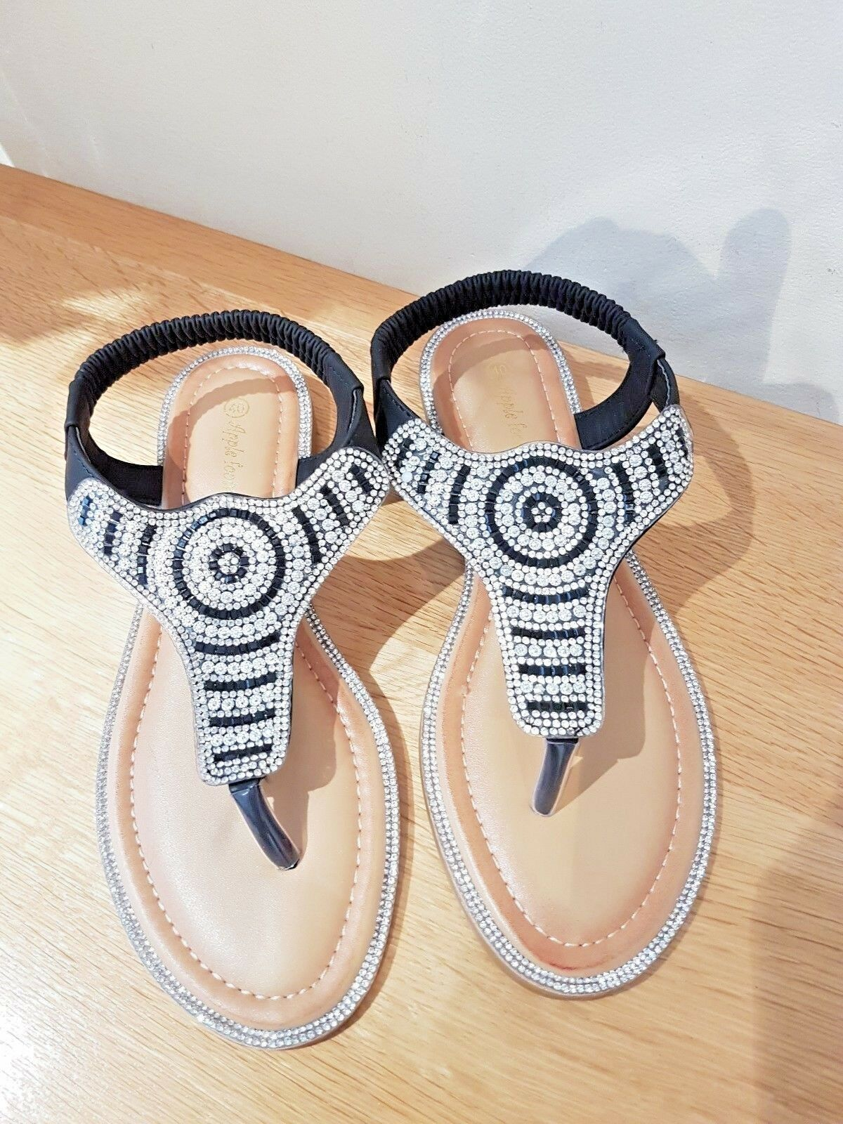 Ladies Flat In Summer Sandals With Diamanté Details In Flat Black Size 3-8 4a7e83
