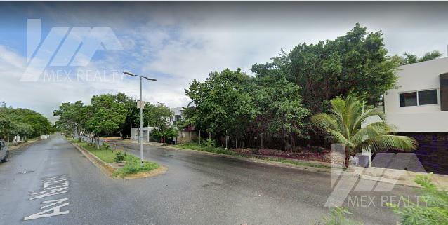 Terreno en Venta, Avenida Nizuc, Sm 16, Mz 3, Clave GERA7