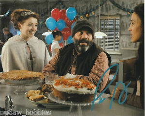 Lee-Arenberg-Once-Upon-A-Time-Autographed-Signed-8x10-Photo-COA