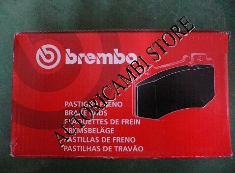 P23077 PASTIGLIE FRENI ANTERIORI FIAT MULTIPLA 1.6 BIPOWER FINO A 2004 BREMBO