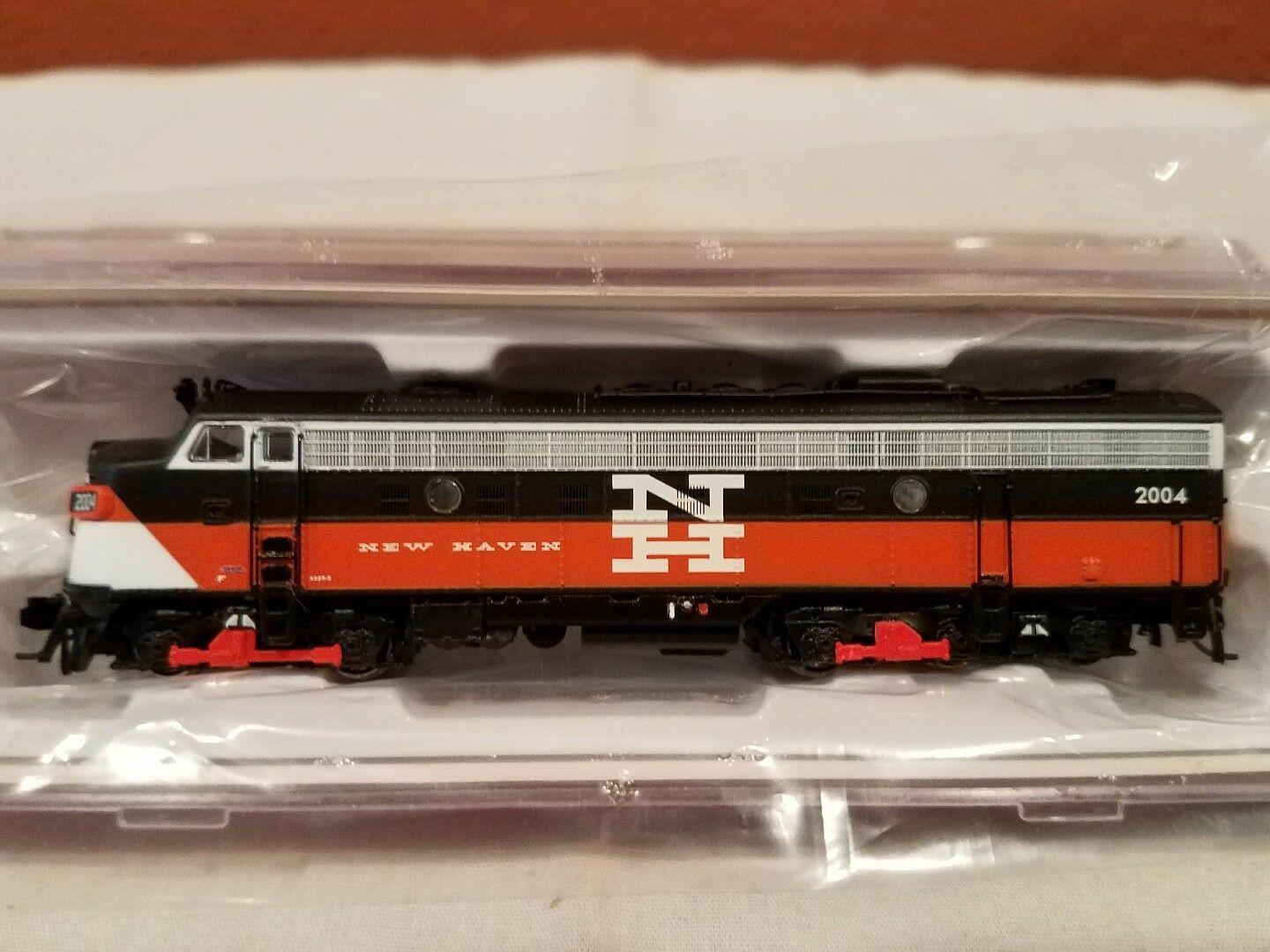 N SCALE RAPIDO TRAINS 15510 EMD FL9 NH EDER-5 RD #2004 DCC SOUND EQUIPPED NEW