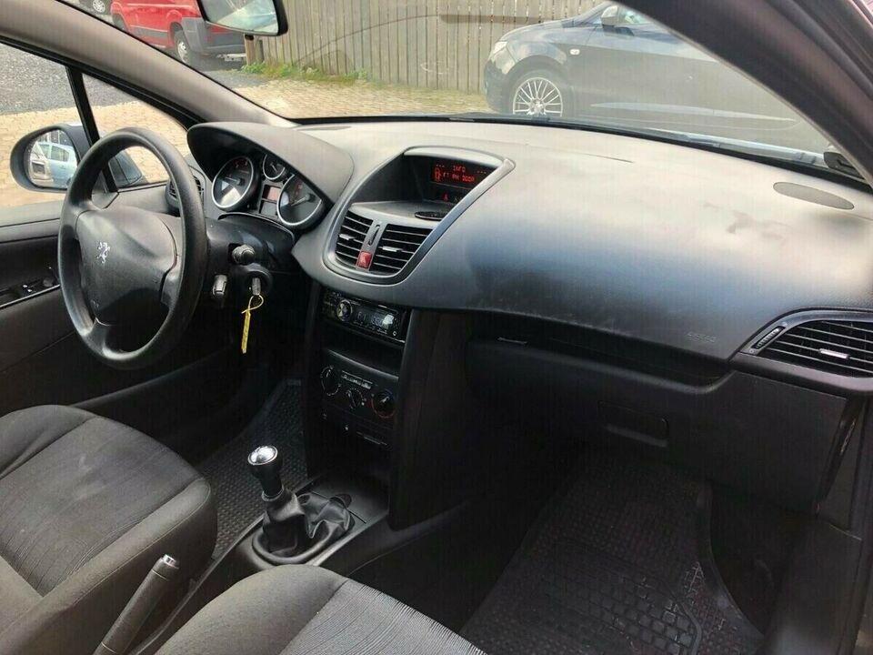 Peugeot 207 1,4 HDi Diesel modelår 2006 km 275000 Koksmetal