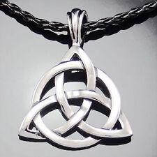 bijou celtique Collier Triquetra sur cordon tressé