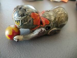 Antique-1940-s-Marx-Cat-Chasing-Yellow-Ball-Tin-Litho-Windup-Toy