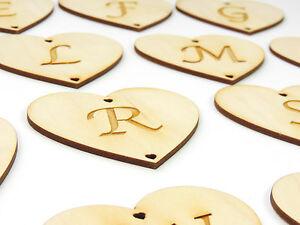 coeur-en-bois-avec-lettres-grave-jeunes-maries-8-cm-CADEAU-MARIAGE