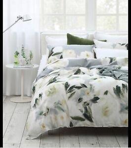 Argos Home White and Grey Oxford Edging 200 Thread Bedding Set Double