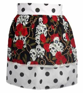 Ladies-White-amp-Black-1950-039-s-PolkaDot-Pinafore-With-Skull-amp-Roses-Pin-Up-Apron