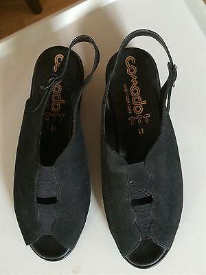 Blue on Blue – Sort elastisk støvle med lækkert glat skind