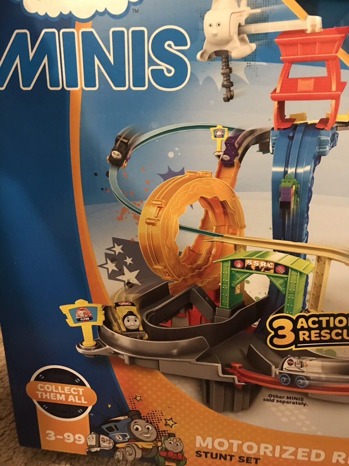 Thomas Thomas Thomas Minis  Motorized Rescue Stunt Set  7 Mystery Minis Included  Read baad33
