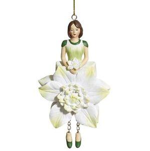 Blumenmaedchen-Fee-Deko-Figur-Elfe-Clematis-weiss-gruen-haengend