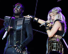 Fergie and Will.i.am UNSIGNED photo - H747 - The Black Eyed Peas