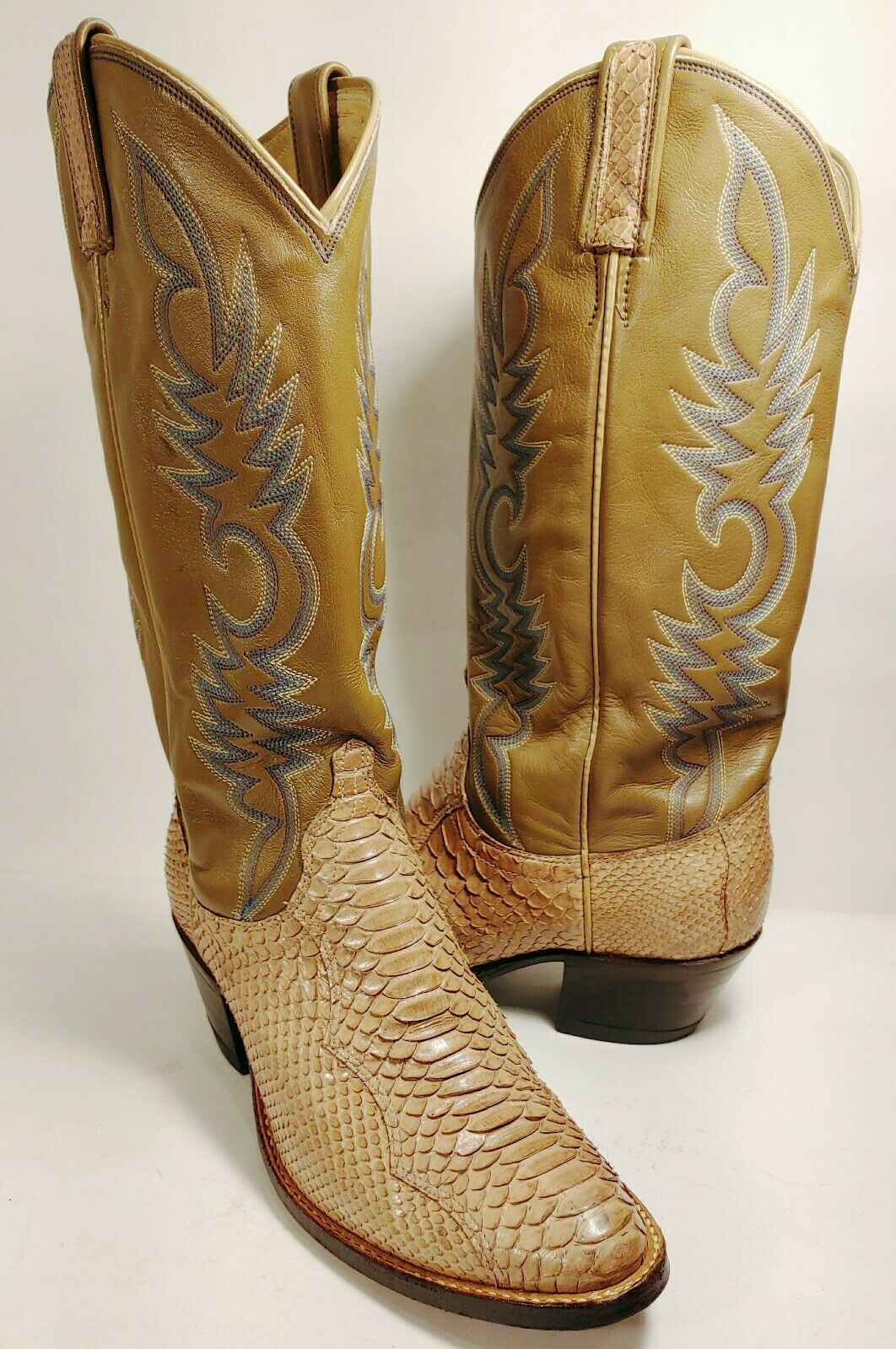 DAN POST Snakeskin Tan Leather Embroidered Cowboy Boots Women's Size 6.5 C EUC