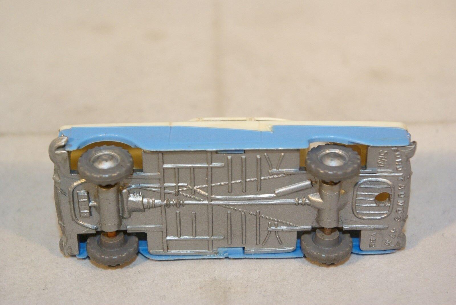 SIKU V82 V 82 PLASTIK FORD FORD FORD TAUNUS 17M 17 M TWOTONE NEAR MINT RARE SELTEN   253b09