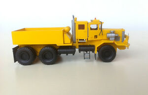 HO-1-87-Oshkosh-J30120-6x4-Prime-Mover-Ready-Made-Resin-Model-by-Fankit-Models