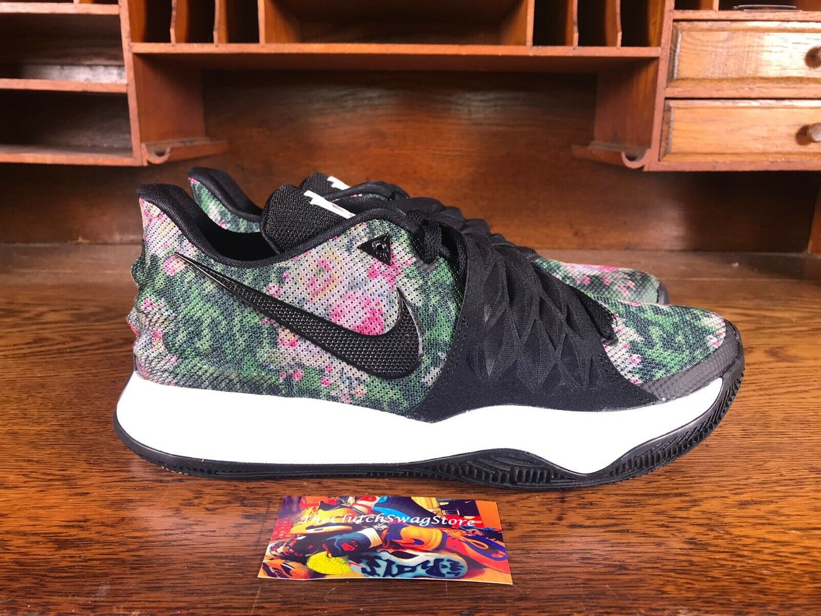 Nike Kyrie Low Black Floral Print Mens Kyrie Irving shoes AO8979 002 NEW Size 10