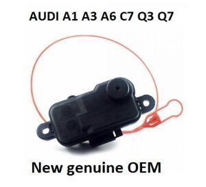 NEW-GENUINE-AUDI-A1-A3-A6-A7-Q3-Q7-FUEL-FLAP-DOOR-RELEASE-LOCK-MOTOR-4L0862153D