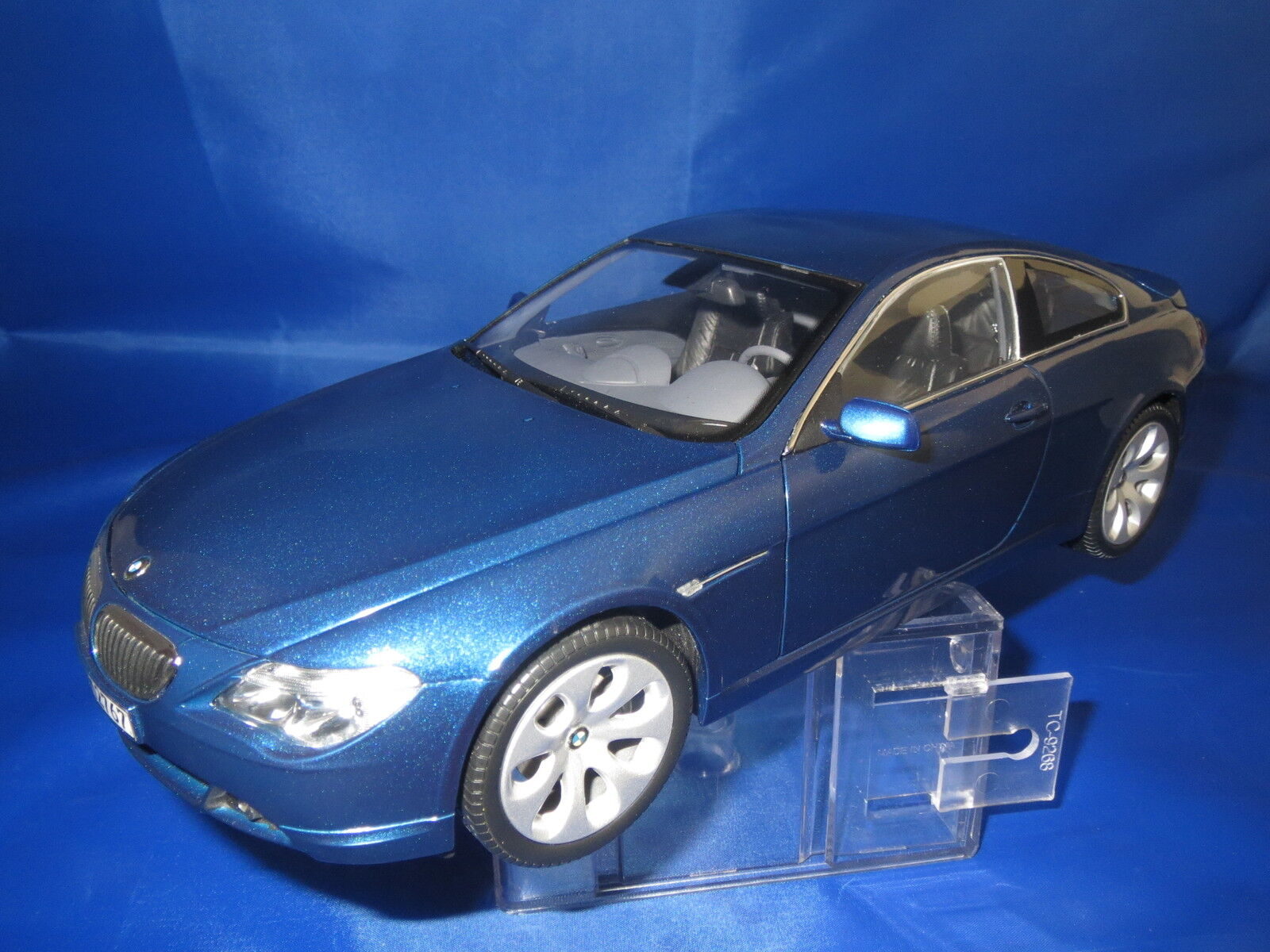 KYOSHO BMW 6er Coupè Dealer version 80430153284  Blu-Metallico  1:18 OVP