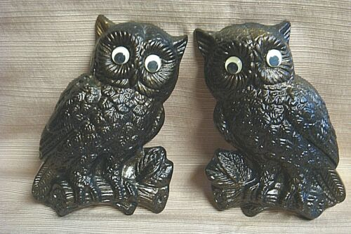 2 Hand Painted RETRO CHALKWARE OWL PLAQUES