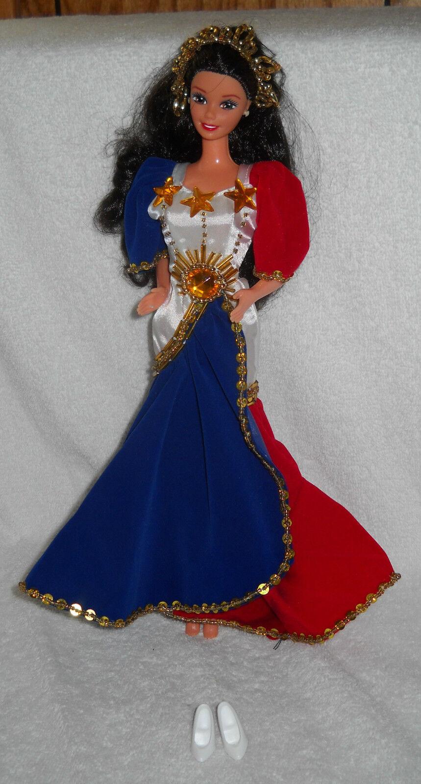 Nuevo que aparezcan Filipinas Flores De Mayo Reyna banderada Barbie Exterior