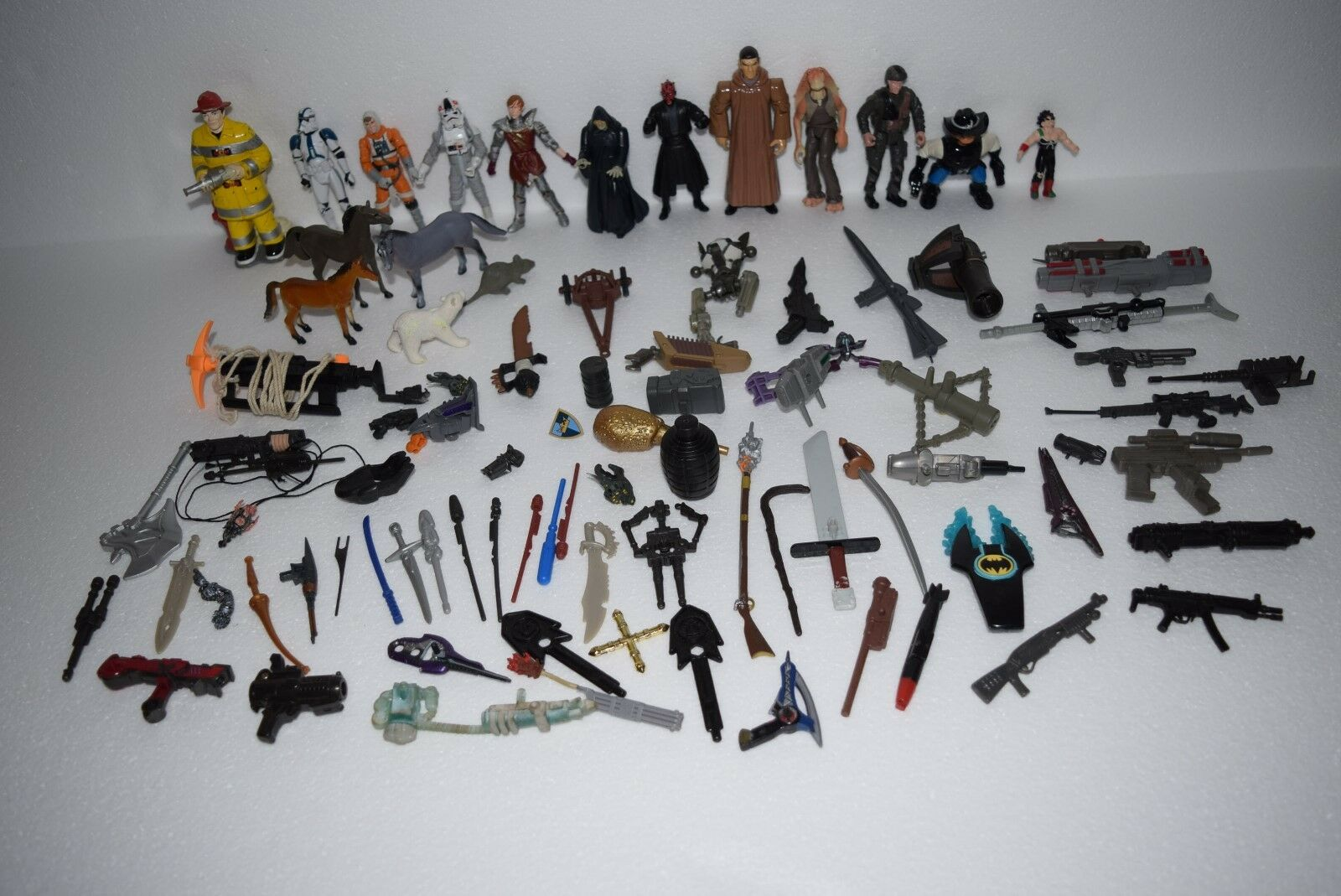 Vintage Lot of Action Figures Fireman, GI Joe, Star Star Star Wars, Weapons, Accessories 99218d