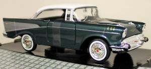 Motormax-1-24-Scale-1957-Chevy-Bel-Air-Green-White-Roof-Diecast-model-car